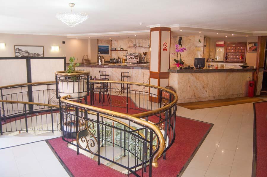Hall Hotel La Ronda, Castro Urdiales