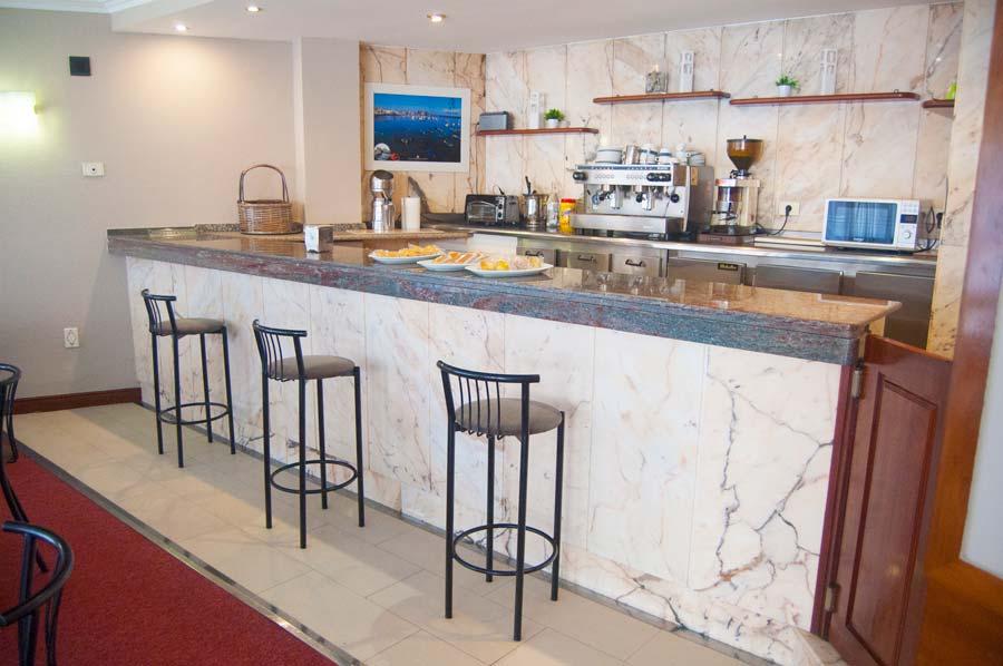 Cafetería Hotel La Ronda, Castro Urdiales, Cantabria