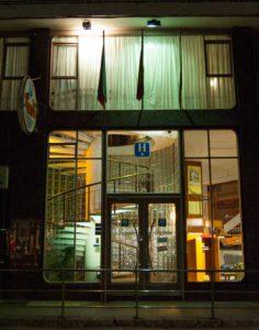Fachada Hotel La Ronda